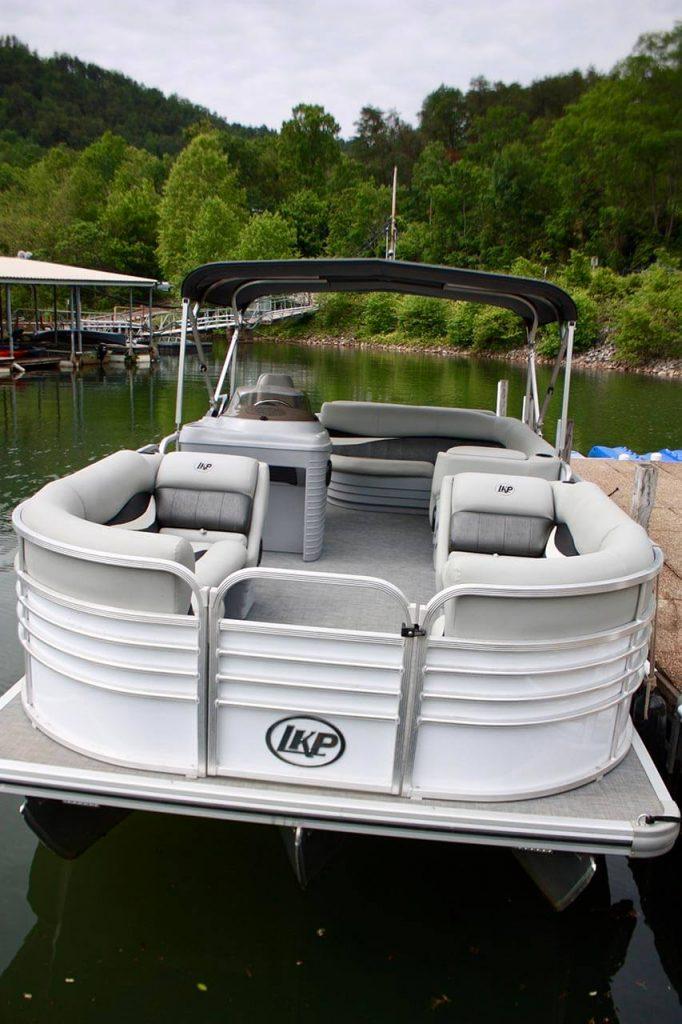 ocoeeinn - tritoon boat